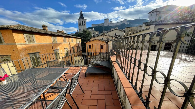 Terrazza Duomo - car NOT necessary/central Spoleto, vacation rental in San Gregorio