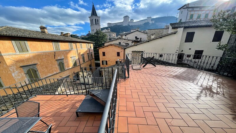 Terrazza Duomo, Central Spoleto, Pedestrian, 2 terraces/fantastic view, Rome 1HR, vacation rental in San Gregorio