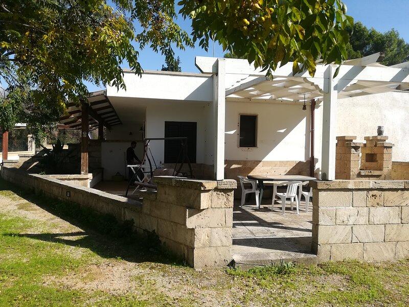 Villetta Sarruni 2, holiday rental in Lido Marini