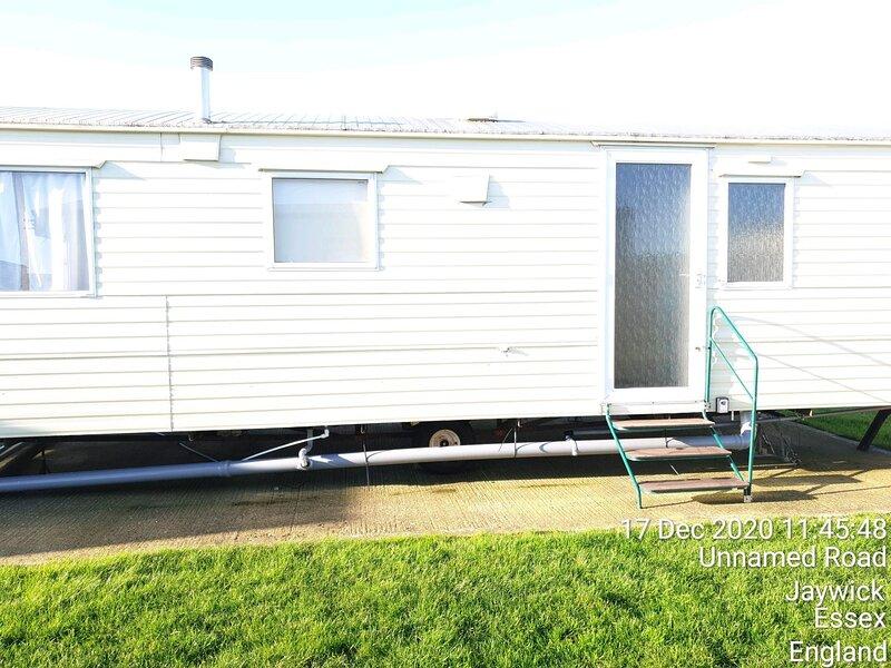6 berth dog friendly caravan for hire at Martello Beach in Clacton ref 29044Y, location de vacances à Little Clacton