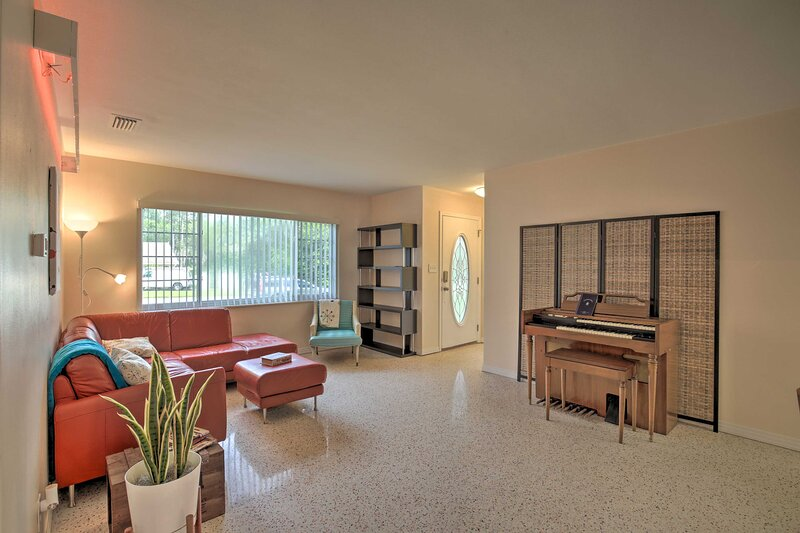 NEW! Well-Appointed Tampa Home: 4 Mi to USF Campus, holiday rental in Temple Terrace
