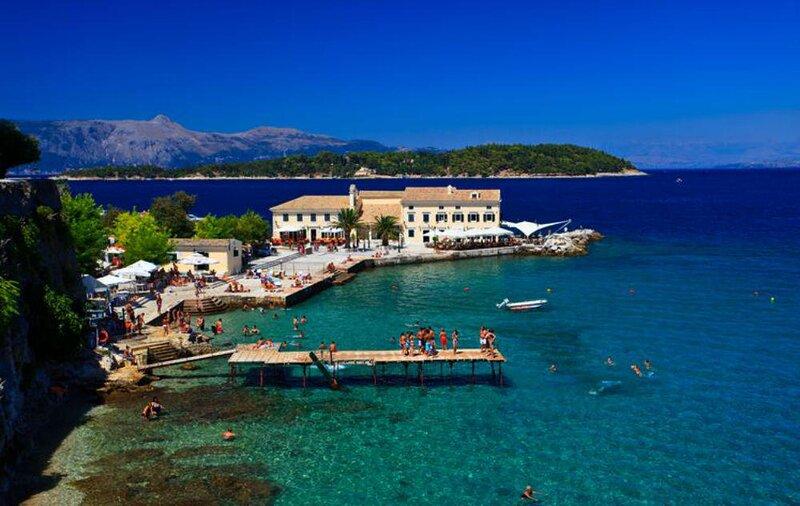 Corfu Seaside Retraet-A breath away to the beach, aluguéis de temporada em Gouvia