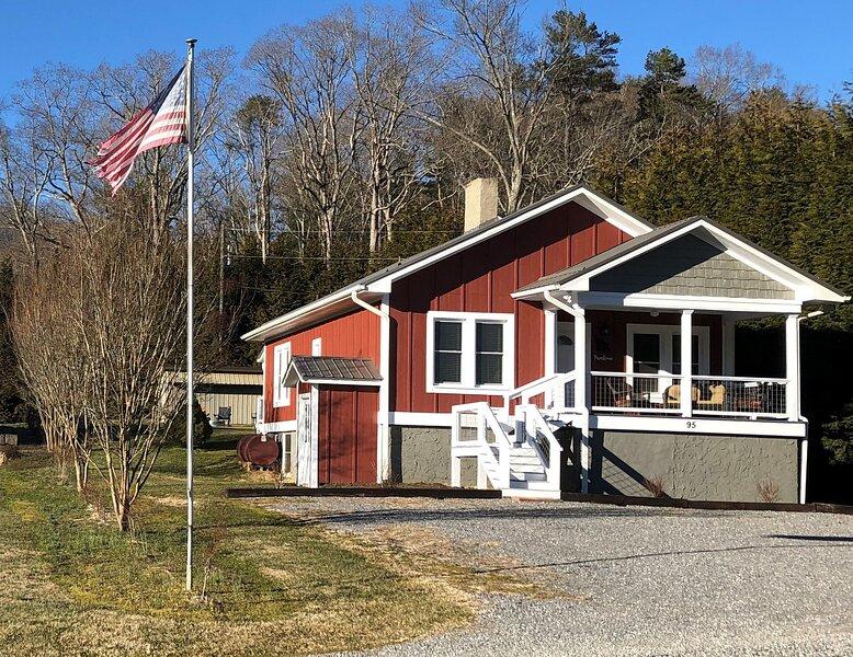 The Farmhouse, casa vacanza a Enka