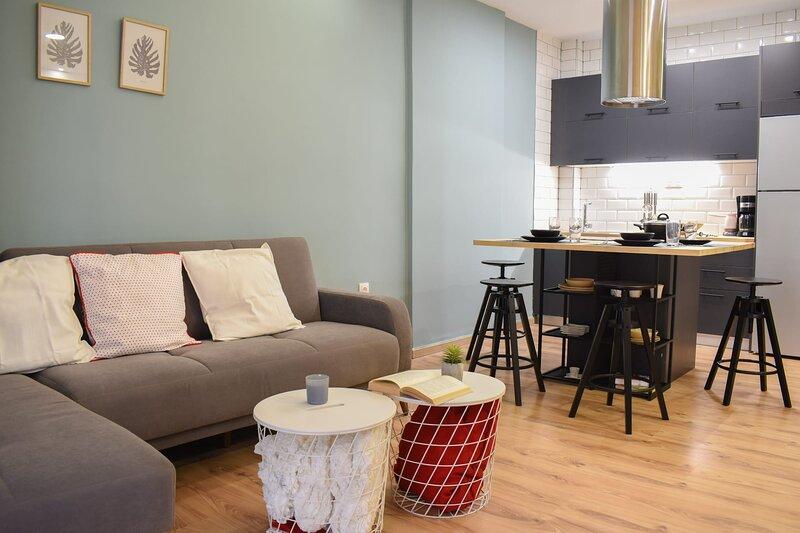 Luxurious flat near the beach and the city center, location de vacances à Messène