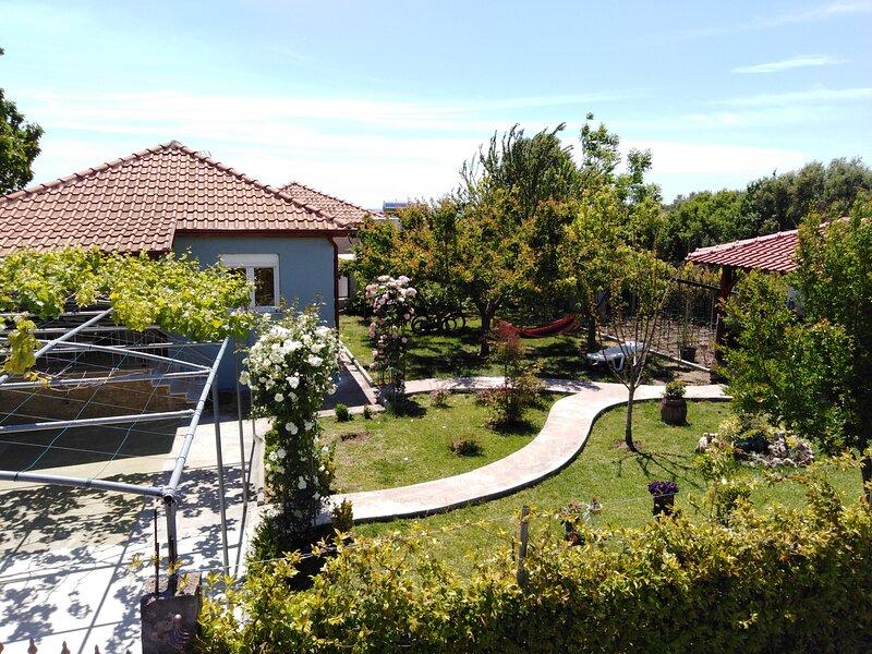 Villa Victoria Halkidiki, location de vacances à Nea Triglia