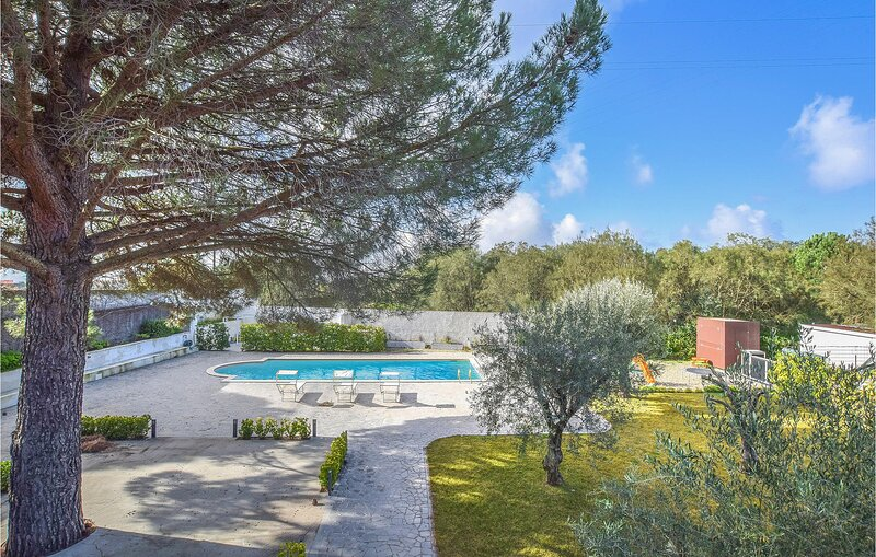 Nice home in Nicolosi with Outdoor swimming pool, WiFi and 2 Bedrooms (ISC083), holiday rental in Nicolosi