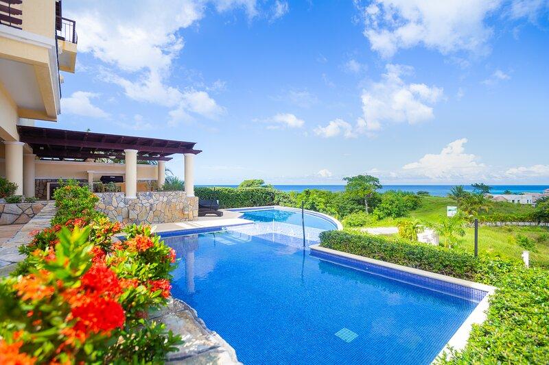 Pristine Bay Villa  1108 – semesterbostad i French Harbour