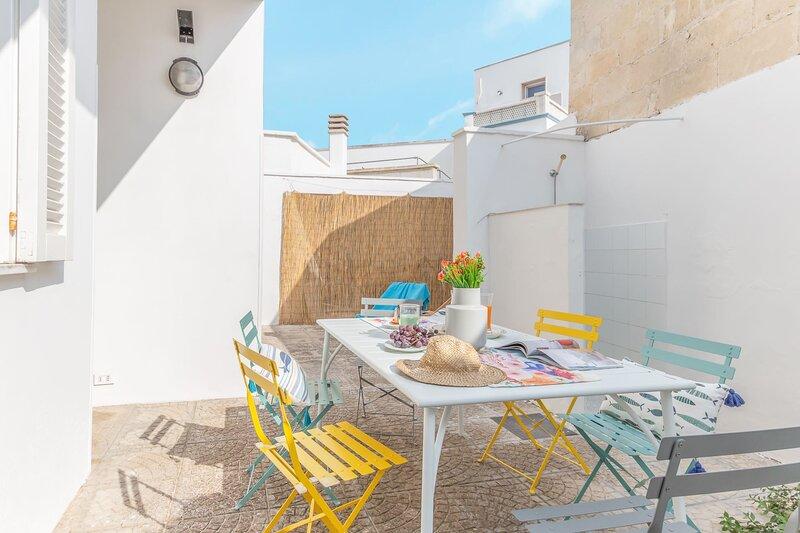 Casa Tropical | spazio esterno, wifi gratis, a/c, holiday rental in Torre Lapillo