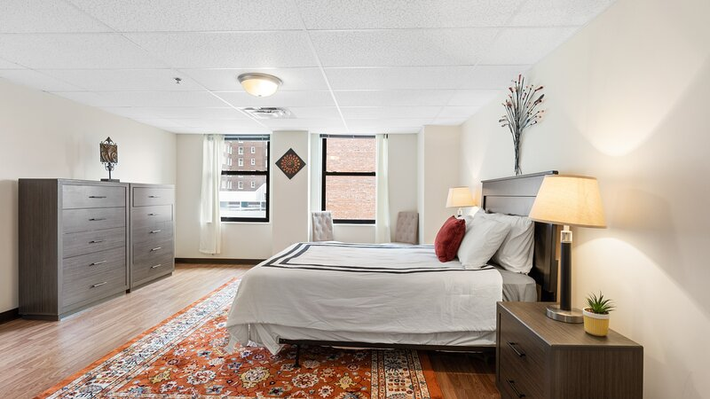 Spacious Bourbon City Loft with Downtown Views!, vacation rental in Pleasure Ridge Park