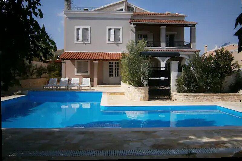 villa feng shui cosmochoros by adamantini feng shui fine art applications, holiday rental in Kanálion