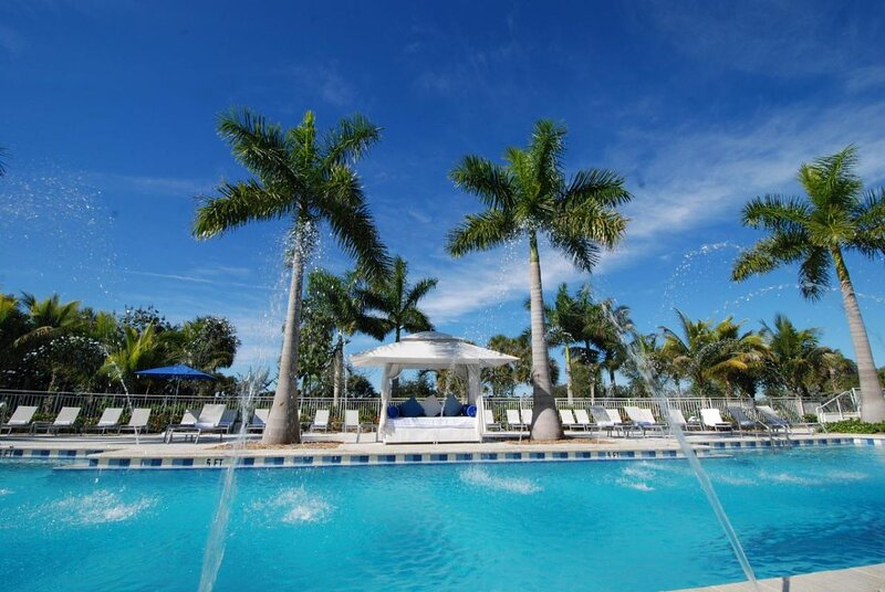 Perfect Island Paradise! Elegant Suite Unit, Pool, Spa!, holiday rental in Miami Lakes
