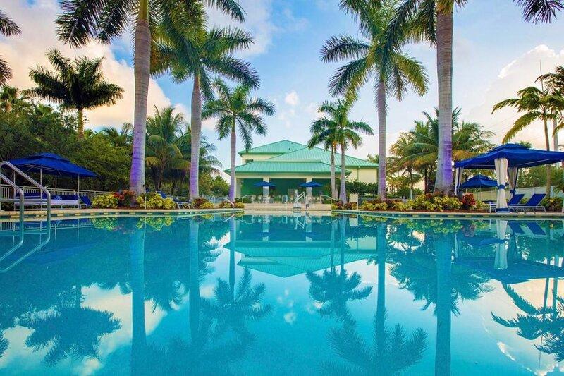 Beautiful Island Paradise! Elegant Suite Unit, Pool, Restaurant and Bar!, alquiler vacacional en Doral