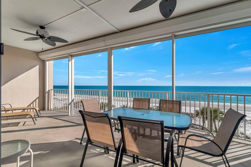 Large Private Balcony with Captivating Views!