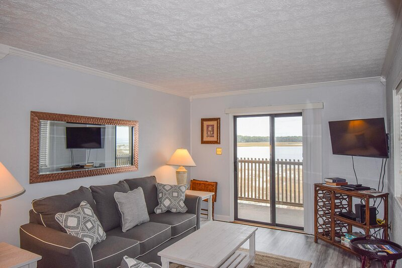 Inlet Point Villas Unit 4C! Waterway-View 2 Bedroom Condo in Cherry Grove!, holiday rental in Little River