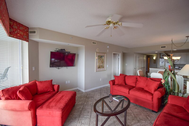 Barefoot Resort North Tower Unit 601! 4BR/ Gorgeous Waterway Views! Golf and, holiday rental in Arcadian Shores