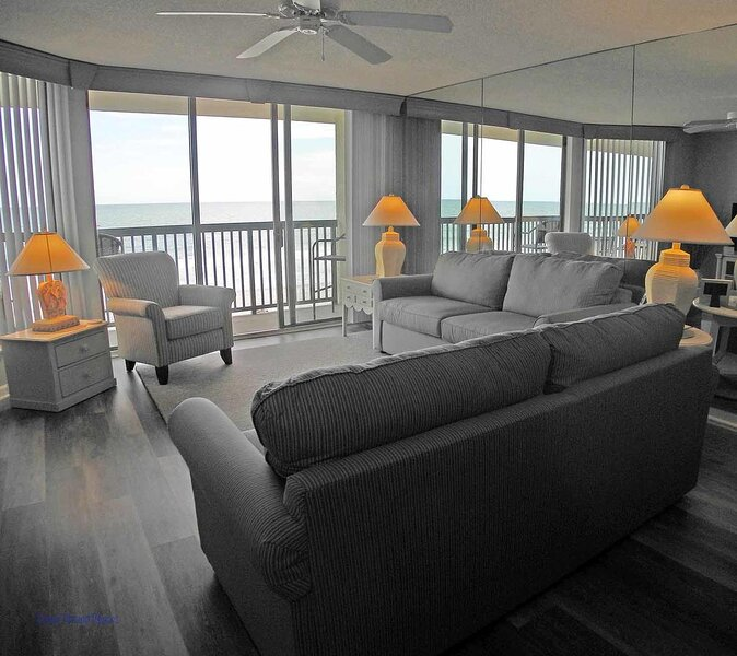 Emerald Cove II Unit: 4B! Oceanfront 3 Bedroom! Escape to the beach with the, holiday rental in Arcadian Shores