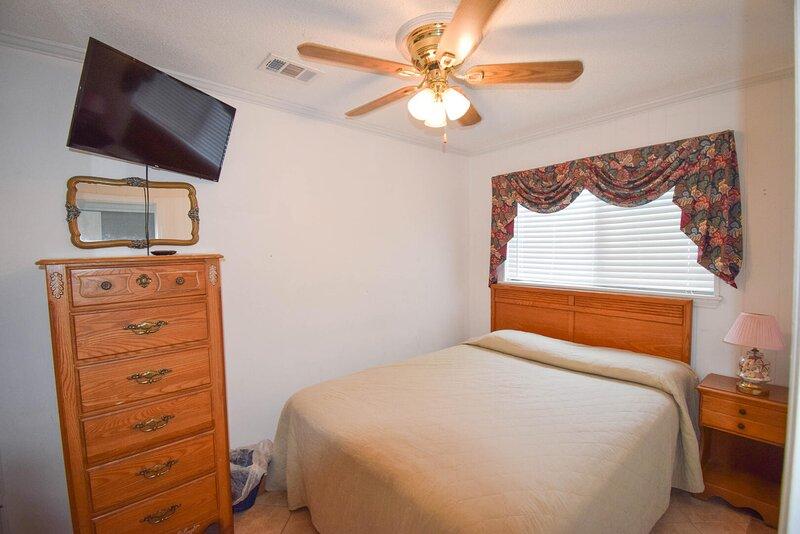 Sea Cabin 118! 1 Bedroom Oceanfront, Pier Access,, holiday rental in Little River
