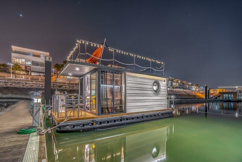 The Homeboat Company Parque das Nações -Lisboa I, location de vacances à Montijo