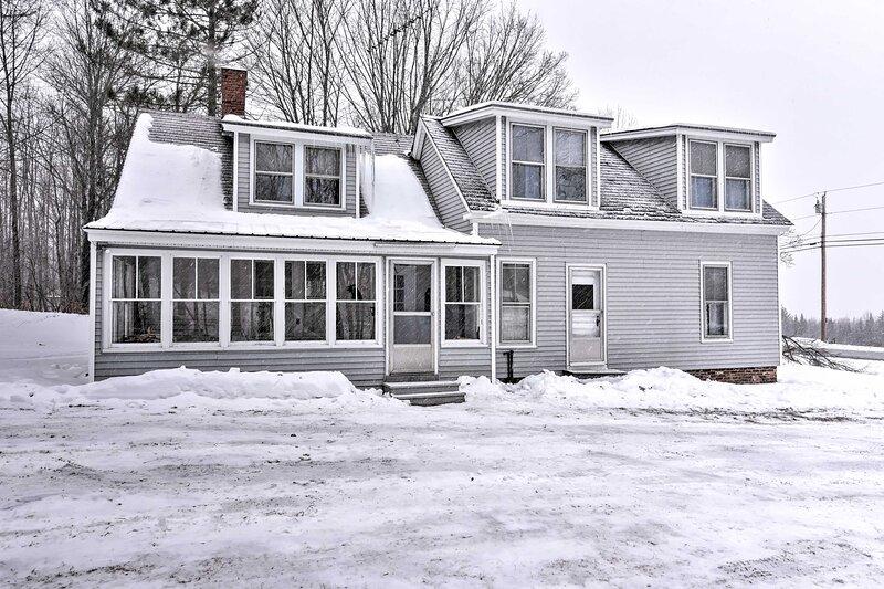 NEW! Dog-Friendly Monson House 2 Mi to Lake + AT!, location de vacances à Sangerville