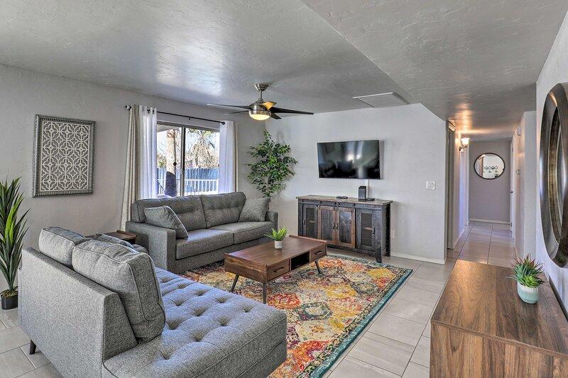 NEW! Upscale Home w/ Outdoor Kitchen, Spa & Pool!, location de vacances à Vail