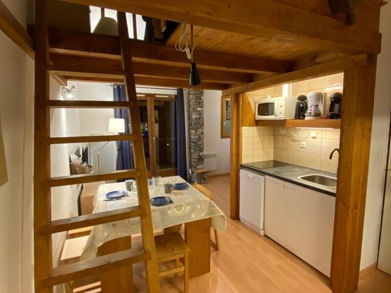 Beau Studio avec mezzanine au pied des pistes, holiday rental in La Cote-d'Aime