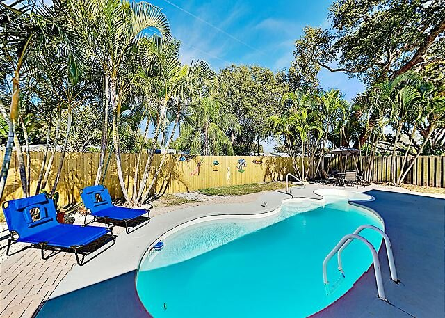 Sleek Home | Ping-Pong, Lush Yard & Private Pool | Near Indian Shores Beach, holiday rental in Seminole
