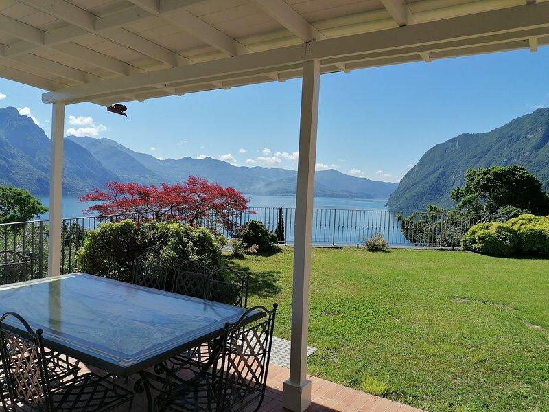 Villa Daniela, location de vacances à Solto Collina