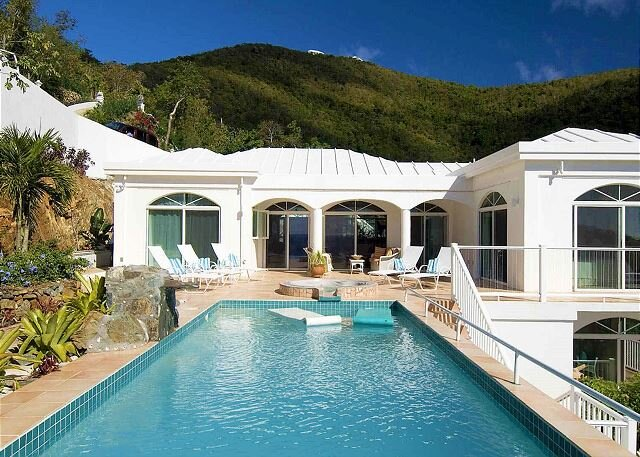 Waterfall: Pool! AC! Amazing Views!, vakantiewoning in Hawksnest Bay