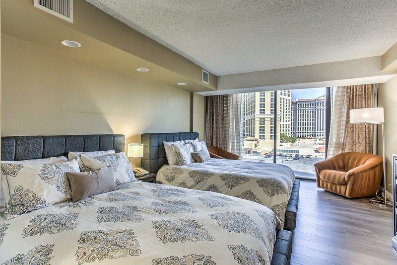 ON THE STRIP! | 1 Bdrm Penthouse w/ Fountain View, casa vacanza a Las Vegas