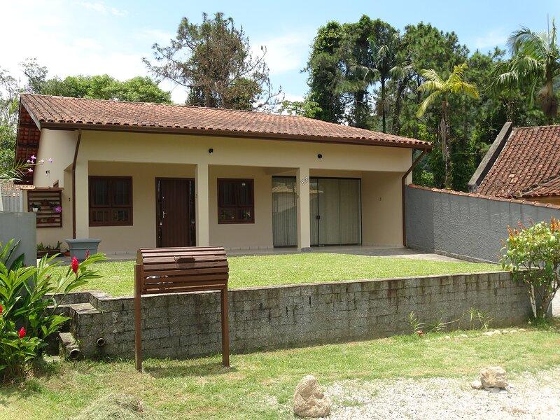Lagoinha Ubatuba Salga - Casa em Condomínio próxima à Praia, location de vacances à Maranduba