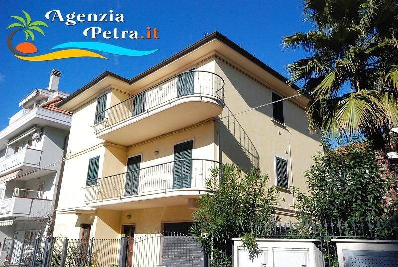 Appartamento Bissolati:  Bilocale 4 posti letto, holiday rental in Stella di Monsampolo