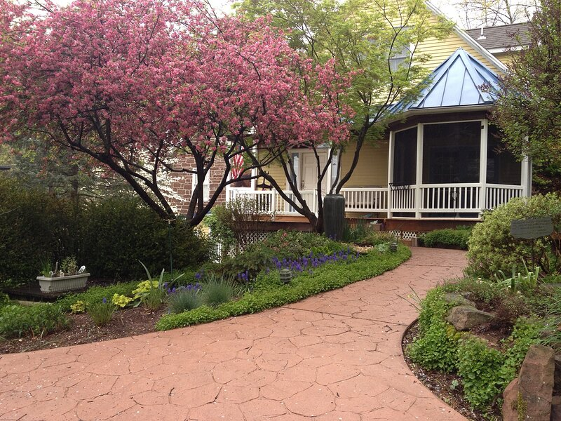 Moore's Mountain Inn - All 3 Rooms, holiday rental in Camp Hill