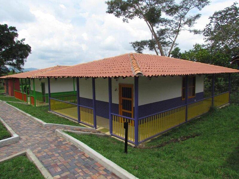 Alojamiento Rural Los Cerezos Naturaleza y bienestar Destino sostenible, holiday rental in Pueblo Tapao