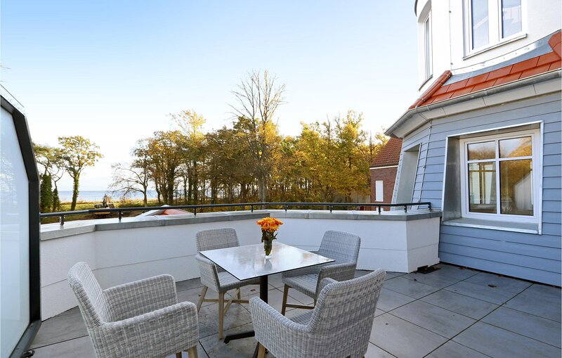 Amazing apartment in Boltenhagen with WiFi and 2 Bedrooms (DMK821), location de vacances à Tarnewitz