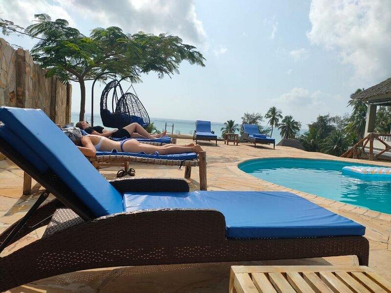 Sea Crest Hotel Spa is located near the beach at Kiwengwa village Zanzibar, location de vacances à Matemwe