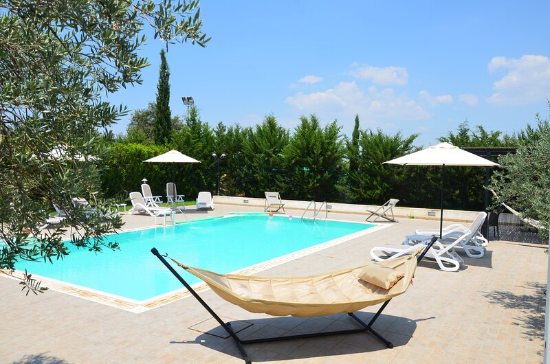 Serravalle Relais&Country Villa WITH PRIVATE POOL -, holiday rental in Pedalino