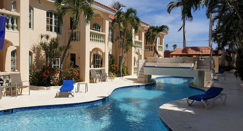 5-star affordable Luxury Condo in Aruba? Look at this!, location de vacances à Noord