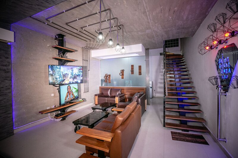 THE FOUNDRY - 3BD MODERNISTIC DUPLEX HOME, alquiler vacacional en Lekki