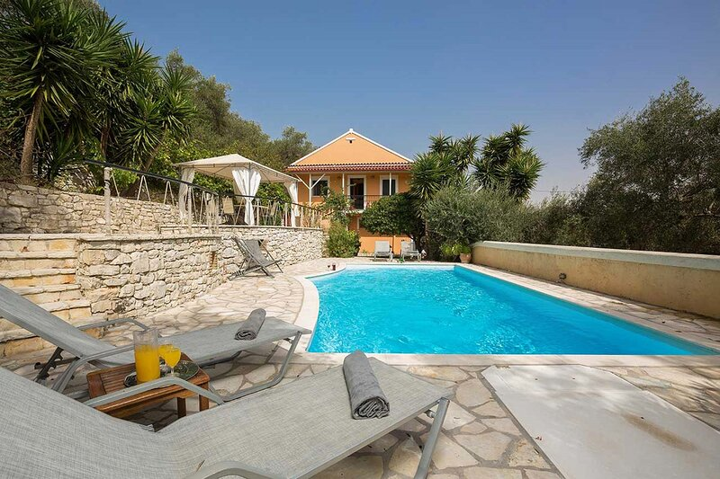 Chryssa Villa - Sun - Splashed & romantic., vacation rental in Loggos
