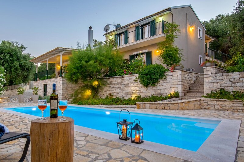 Maritina Villa - 2 BR House surrounded by olive groves, holiday rental in Antipaxos