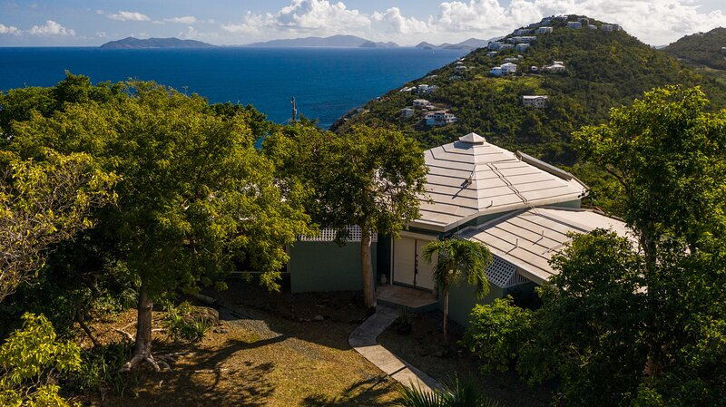 Villa at Chateau Nightwind w/ Amazing BVI Views, holiday rental in Magens Bay
