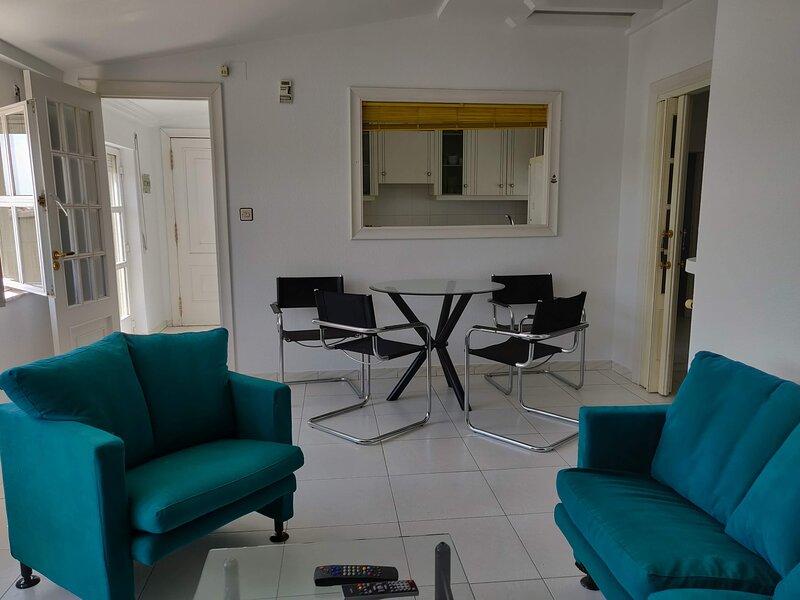 Remarkable 3-Bed Apartment s in La Bañeza, holiday rental in Pradorrey