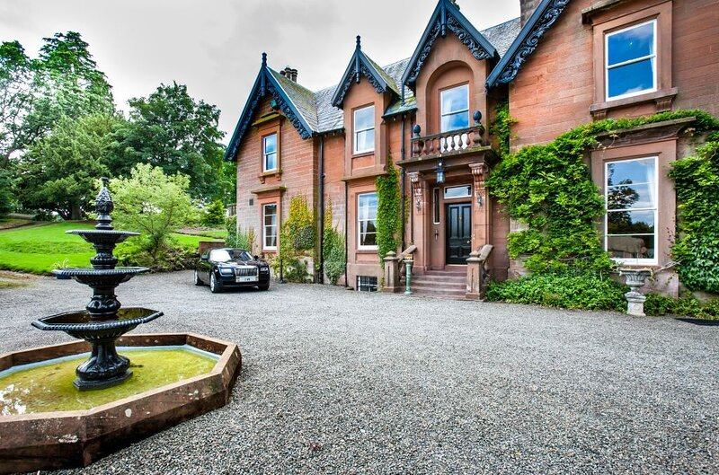 Amazing mansion with mountain view, vacation rental in Eskdalemuir