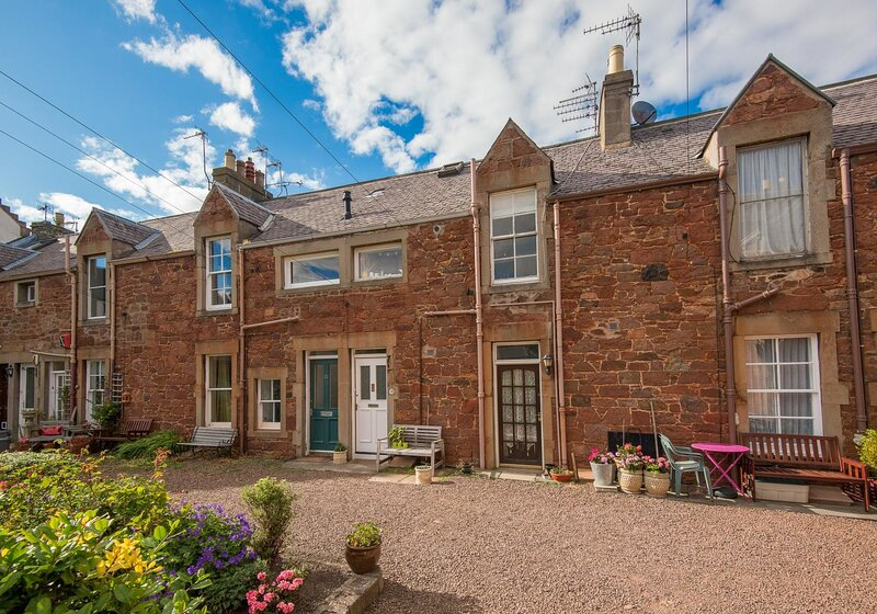 Rockpool Apartment, holiday rental in North Berwick