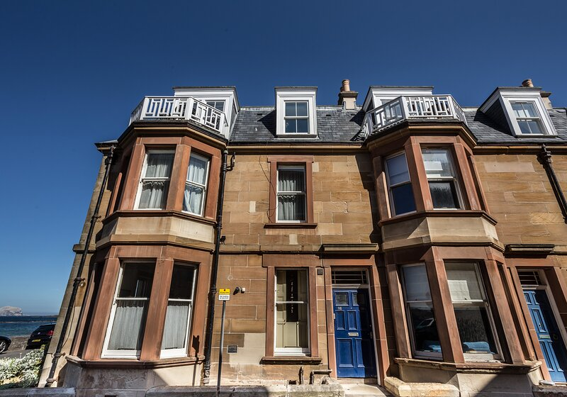 At the Beach Apartment, holiday rental in North Berwick