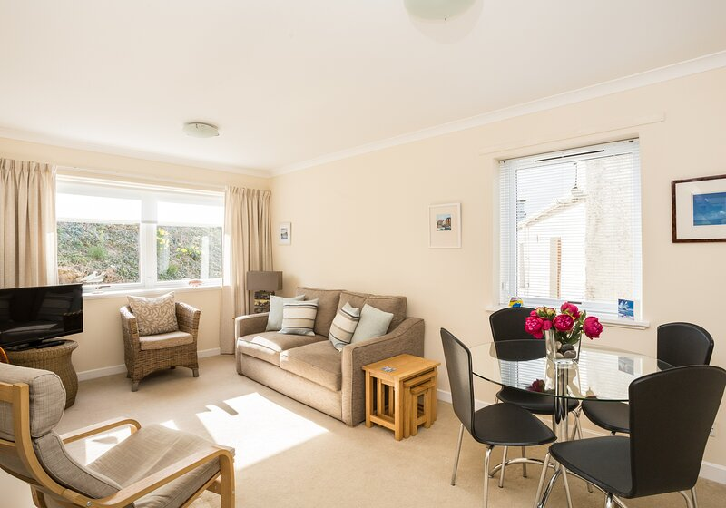 Coast End Apartment, holiday rental in North Berwick