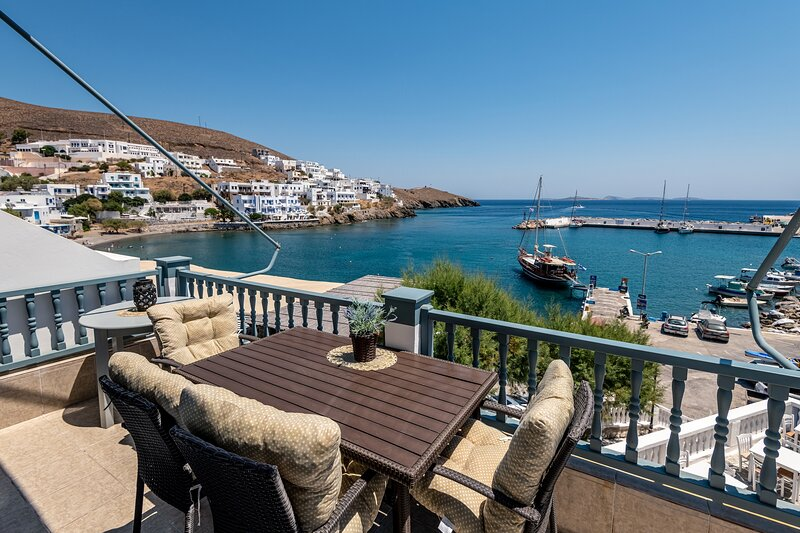 Casa Bella Al Mare is a beautiful independent apartment by the sea in astipalea., holiday rental in Astipalea