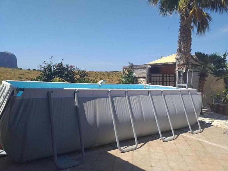 Il Rifugio, beautiful house with swimming pool, location de vacances à Zarbo di Mare
