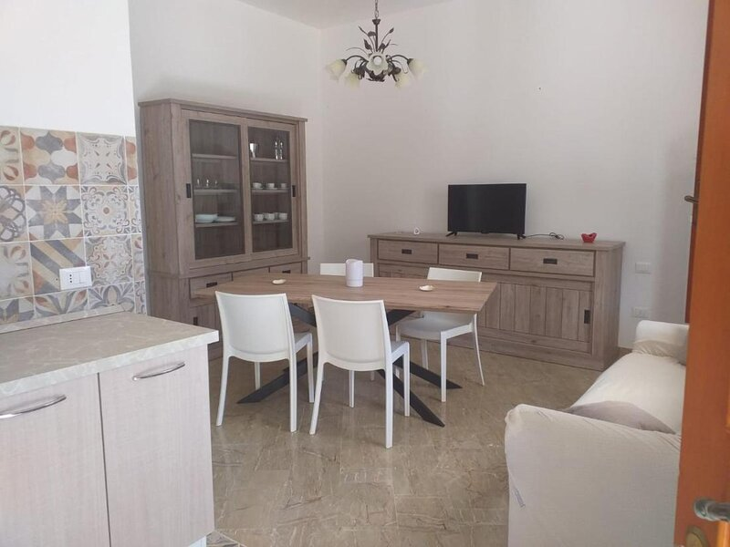 Casa La Mimosa, splendid modern three bedroom apartment, holiday rental in Castelluzzo