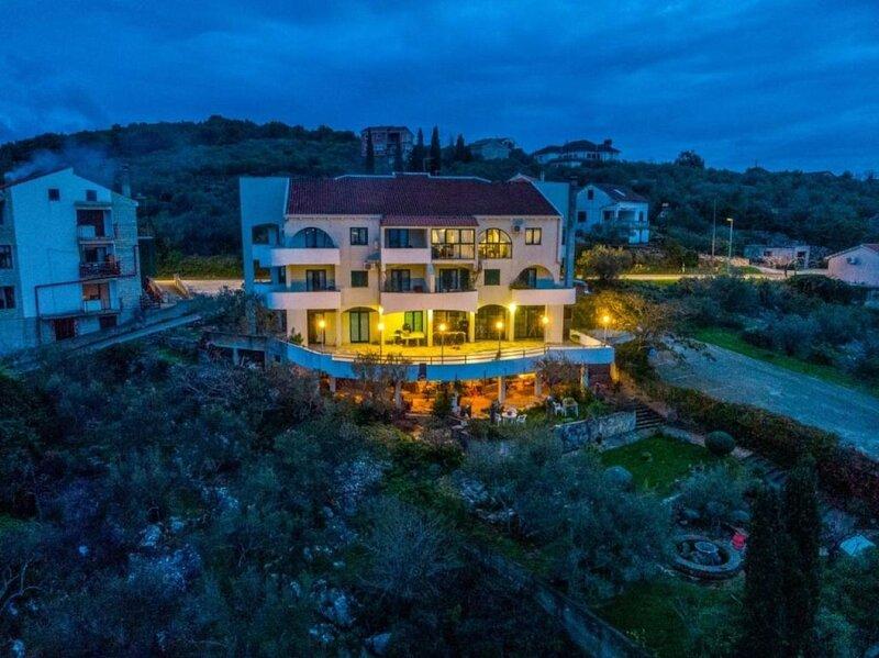 Novis - close to the sea: A6 Isabell(4+1) - Kali, location de vacances à Kali